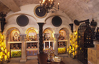 "Europe/France/Ile-de-France/Paris : ""BELLE EPOQUE"" - Restaurant ""La Tour d'Argent"" - La cave (musée du vin)<br /> PHOTO D'ARCHIVES // ARCHIVAL IMAGES<br /> FRANCE 1990"