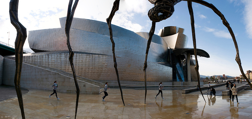 Guggenheim Museum. Bilbao travel assignment National Geographic Traveler en Español. Bilbao, Spain, December 2008