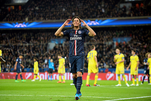17.02.2015. Paris, France. Champions League football. Paris St Germain versus Chelsea. Cavani goes close but Courtois makes the save