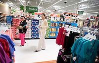 "Yue Zheng (cq, left) shops for snacks with her mother Dongping Yuan (cq, left) at a WalMart in Lawton, Oklahoma, April 29, 2010. Zheng is adapting to life in the US after two years of teaching high school Chinese as part of a ""guest teacher"" program...PHOTO/ MATT NAGER"