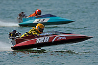 Richard Hearn (12-H) and Dana Holt (3-S) (runabout)