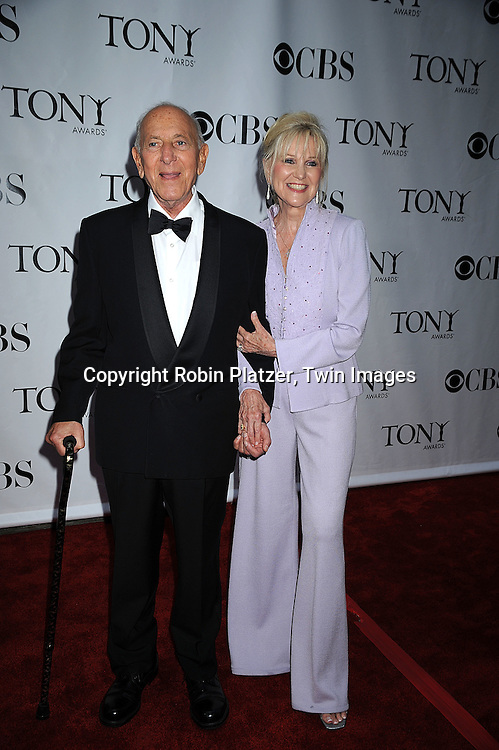 Jack Klugman and wife Peggy.posing for photographers at the 62nd Annual Tony Awards.on June 15, 2008 at Radio City Music Hall. ..Robin Platzer, Twin Images