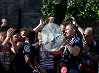 Duesseldorf, Germany, 2. Bundesliga, promotion to 1. Bundesliga of  Fortuna Duesseldorf, team celebrates at Rathausmarkt of Duesseldorf, 14.05.2018<br /> Oliver FINK (F95) 2.v.- and Meisterschale.<br />