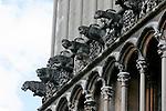 20050519 - France - Dijon<br /> REPORTAGE SUR LA VILLE DE DIJON : L'EGLISE NOTRE-DAME CELEBRE POUR SES GARGOUILLES<br /> Ref: DIJON_001-148 - © Philippe Noisette