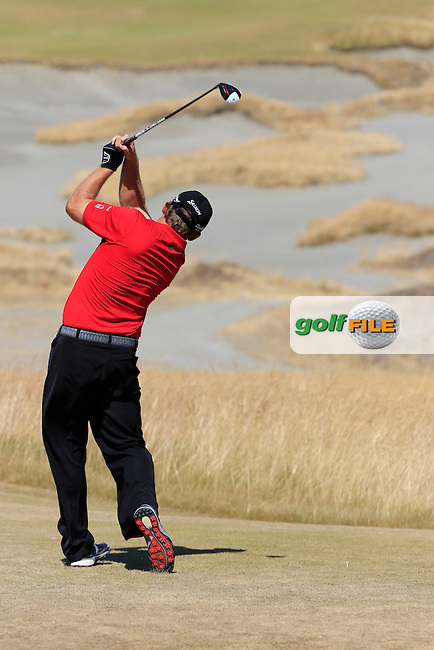 JB HOLMES (USA) tees off the 7th tee during Sunday's Final Round of the 2015 U.S. Open 115th National Championship held at Chambers Bay, Seattle, Washington, USA. 6/21/2015.<br /> Picture: Golffile | Eoin Clarke<br /> <br /> <br /> <br /> <br /> All photo usage must carry mandatory copyright credit (&copy; Golffile | Eoin Clarke)