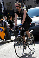 Keirran Spiderman , bicycle courier..London , May 2009..pic copyright Steve Behr / Stockfile