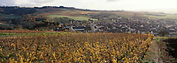 Europe/France/89/Bourgogne/Yonne/Irancy : Le village et le vignoble