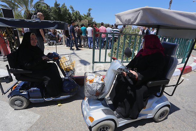 Disabled Palestinians take part a rally to show solidarity with disabled prisoners, in Israeli jails, in Gaza city, on May 4, 2015. Photo by Mohammed Asad