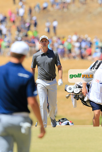 Justin Rose (ENG) walks onto the 7th green during Friday's Round 2 of the 2015 U.S. Open 115th National Championship held at Chambers Bay, Seattle, Washington, USA. 6/19/2015.<br /> Picture: Golffile | Eoin Clarke<br /> <br /> <br /> <br /> <br /> All photo usage must carry mandatory copyright credit (&copy; Golffile | Eoin Clarke)