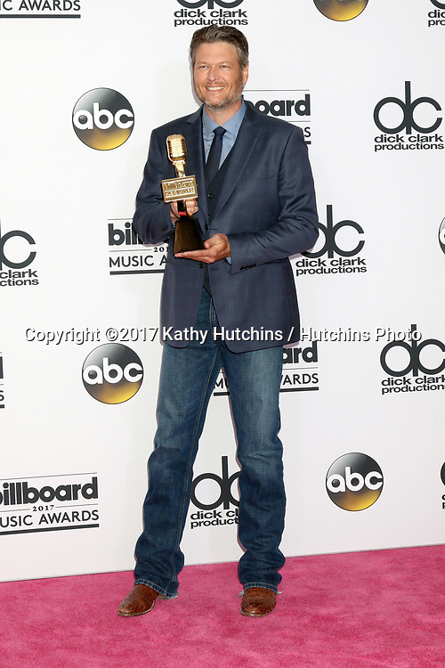 LAS VEGAS - MAY 21:  Blake Shelton at the 2017 Billboard Awards Press Room at the T-Mobile Arena on May 21, 2017 in Las Vegas, NV