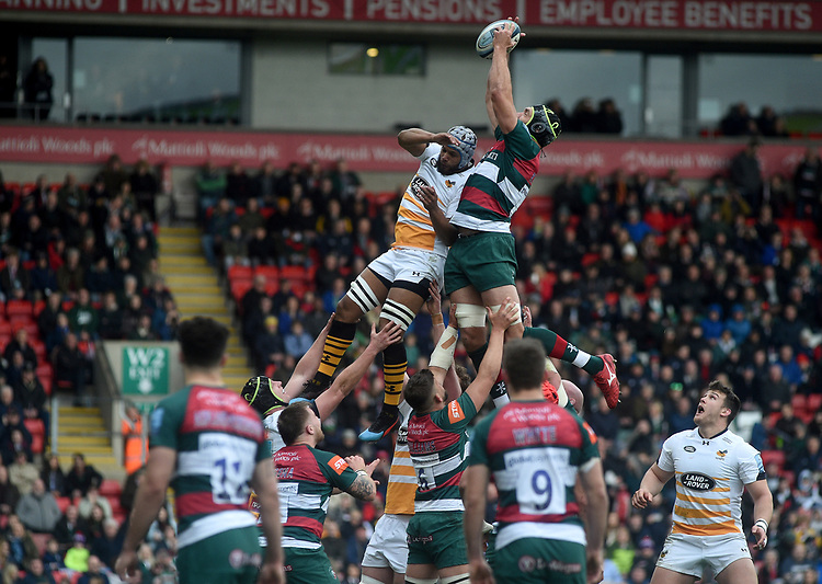 Leicester Tigers' Graham Kitchener under pressure from Wasps' Nizaam Carr<br /> <br /> Photographer Hannah Fountain/CameraSport<br /> <br /> Gallagher Premiership - Leicester Tigers v Wasps - Saturday 2nd March 2019 - Welford Road - Leicester<br /> <br /> World Copyright © 2019 CameraSport. All rights reserved. 43 Linden Ave. Countesthorpe. Leicester. England. LE8 5PG - Tel: +44 (0) 116 277 4147 - admin@camerasport.com - www.camerasport.com
