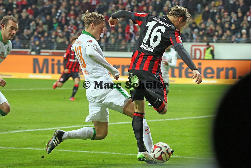 Felix Kroos (Werder) gegen Stefan AIgner (Eintracht) - Eintracht Frankfurt vs. SV Werder Bremen, Commerzbank Arena