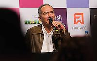 SAO PAULO, SP, 11 DE JUNHO 2013 - PELE - O Ministro dos Esportes Aldo Rebelo durante lancamento do projeto brasil um pais um mundo chancelado pelo plano de promoção do Brasil na Copa de 2014 no Estadio do Morumbi regiao sul da cidade de São Paulo na manha desta terça-feira, 11. FOTO: WILLIAM VOLCOV - BRAZIL PHOTO PRESS.