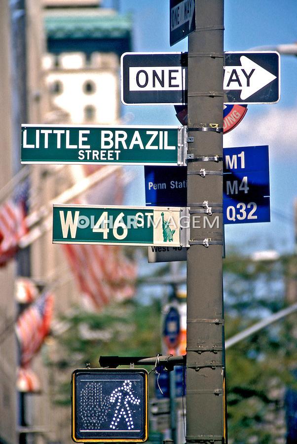 Placa de rua em Nova York, EUA. 2003. Foto de Luciana Whitaker.