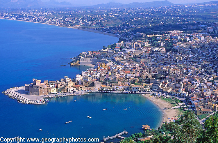 Castle and harbour on headland, Castellammare del Golfo, Sicily, Italy