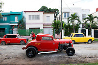 Car culture and their mechanics in Habana, Cuba