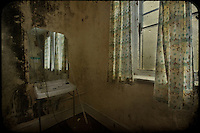 Mirror and basin, abandoned asylum
