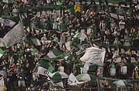 ENVIGADO -COLOMBIA-26-12-2012. Hinchas de Atlético Nacional durante partido con Envigado FC por la fecha 6 de la Liga Postobón I 2014 realizado en el Polideportivo Sur de la ciudad de Envigado./ Fans of Atletico Nacional during match against Envigado FC for the 6th date of the Postobon League I 2014 at Polideportivo Sur in Envigado city.  Photo: VizzorImage/Luis Ríos/STR