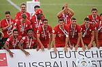 27.06.2020, Fussball: nph00001 1. Bundesliga 2019/2020, 34. Spieltag, VfL Wolfsburg - FC Bayern Muenchen, in der Volkswagen-Arena Wolfsburg. Siegerehrung nach dem Spiel: Der FC Bayern MŸnchen feiert den Gewinn der 30. Deutschen Meisterschaft. <br /><br />Foto: Bernd Feil/M.i.S./ /Pool/nordphoto<br /><br />Nur fŸr journalistische Zwecke! Only for editorial use! <br /><br />GemŠ§ den Vorgaben der DFL Deutsche Fussball: nph00001 Liga ist es untersagt, in dem Stadion und/oder vom Spiel angefertigte Fotoaufnahmen in Form von Sequenzbildern und/oder videoŠhnlichen Fotostrecken zu verwerten bzw. verwerten zu lassen. DFL regulations prohibit any use of photographs as image sequences and/or quasi-video.    <br /><br />National and international NewsAgencies OUT.