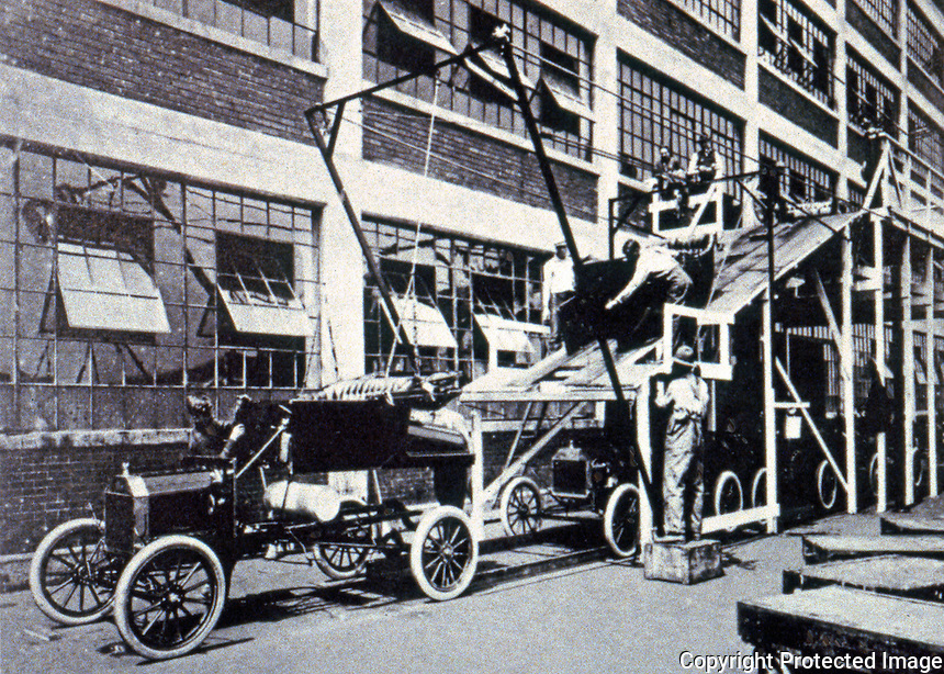 Albert Kahn: Model T. Body to chassis mock-up.