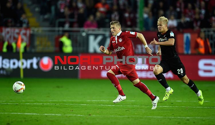 2. Liga  2015/2016, 10. Spieltag Hinrunde, 1. FC Kaiserslautern vs. Fortuna D&uuml;sseldorf<br /> Marcus Piossek (Kaiserslautern), Joel Pohjanpalo (D&uuml;sseldorf)<br /> <br /> <br /> Foto &copy; nordphoto /  Bratic