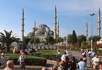 Sultanahmet Moschee in Istanbul = Sultanahmet Camii = Blaue Moschee, erbaut 1609-1615 von Mehmet Aga, ein Schüler von Sinan, Türkei, Unesco-Weltkulturerbe , UNESCO-Weltkulturerbe