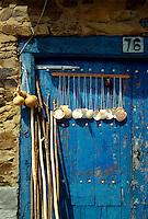 bei Astorga, Pilgerutensilien, León, Kastilien-Léon, Spanien