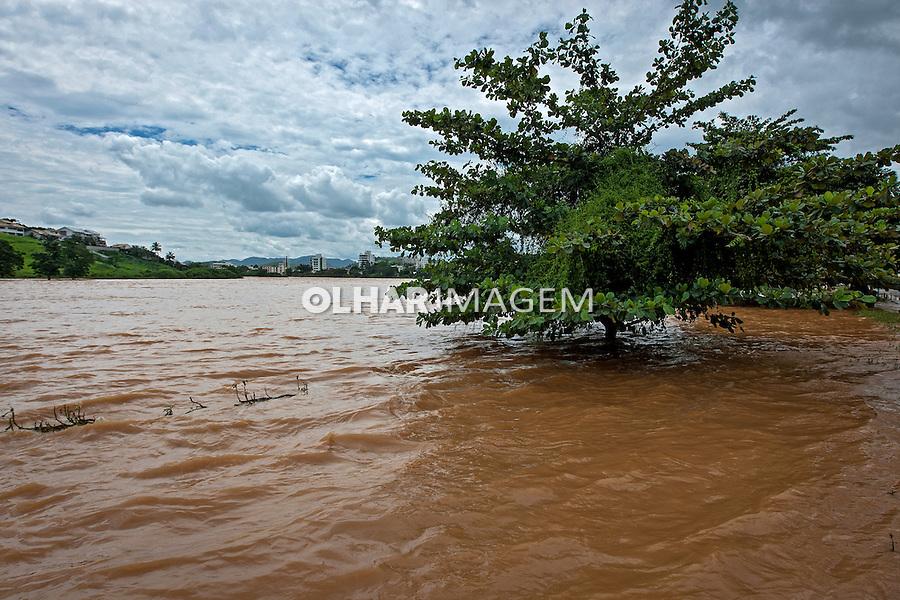 Cheia do Rio Muriae em Itaperuna. Rio de Janeiro. 2011. Foto de Ubirajara Machado.