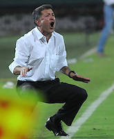 MEDELLIN - COLOMBIA -29-03-2014: Juan C Osorio, tecnico de Atletico Nacional, durante partido Atletico Nacional y el Independiente Santa Fe por la fecha 13 de la Liga Postobon I 2014, jugado en el estadio Atanasio Girardot de la ciudad de Medellin.  / Juan C Osorio coach of Atletico Nacional during a match Atletico Nacional and Independiente Santa Fe for the date 13th of the Liga Postobon I 2014 at the Atanasio Girardot stadium in Medellin city. Photo: VizzorImage. / Luis Rios / Str.