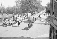 Photo from the NIOD's Huizinga collection. Evacuation of residents from Wassenaar due to launches of V2 rockets.