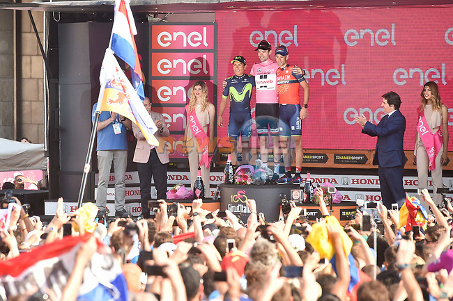 Tom Dumoulin (NED) Team Sunweb wins the general classification with Nairo Quintana (COL) Movistar Team 2nd and Vincenzo Nibali (ITA) Bahrain-Merida 3rd at the end of Stage 21, the final stage of the 100th edition of the Giro d'Italia 2017, an individual time trial running 29.3km from Monza Autodrome to Milan Duomo, Italy. 28th May 2017.<br /> Picture: LaPresse/Massimo Paolone | Cyclefile<br /> <br /> <br /> All photos usage must carry mandatory copyright credit (&copy; Cyclefile | LaPresse/Massimo Paolone)