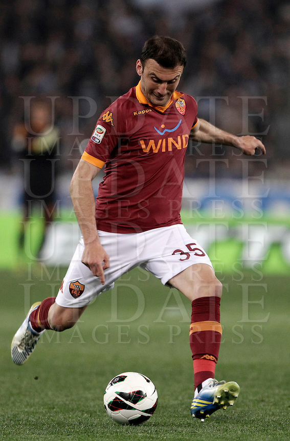 Calcio, Serie A: Roma vs Lazio. Roma, Stadio Olimpico, 8 aprile 2013..AS Roma defender Vasilis Torosidis, of Greece, in action during the Italian serie A football match between A.S. Roma  and Lazio at Rome's Olympic stadium, 8 april 2013..UPDATE IMAGES PRESS/Isabella Bonotto