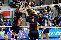 GRONINGEN - Volleybal, Lycurgus - Orion , Eredivisie, seizoen 2018-2019, 13-01-2019, Lycurgus speler Hossein Ghanbari tikt de bal over het blok
