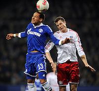 FUSSBALL   1. BUNDESLIGA    SAISON 2012/2013    14. Spieltag   Hamburger SV - FC Schalke 04                               27.11.2012 Jermaine Jones (li, FC Schalke 04) gegen Marcell Jansen (re, Hamburger SV)