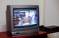 RECIFE,PE,28.03.2017- SINAL-DIGITAL - Fim do sinal analógico nas Tv's, as televisões de tubos terão que ter um adaptador para capitar o sinal digital de Tv, nesta terça-feira,28. (Foto: Jean Nunes/Brazil Photo Press)