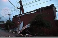 SÃO PAULO,SP,18 FEVEREIRO 2013 -  CHUVA ZONA LESTE  -Parte do telhado das tribunas de radio do Estadio Conde Rodolfo Crespi (rua Javari ) caiu  depois da fote chuva que caiu em São Paulo.FOTO ALE VIANNA - BRAZIL PHOTO PRESS.