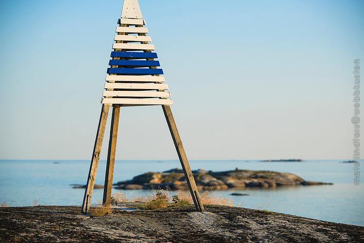Stångmärke vid ytterskärgården Kallskär i Roslagen Stockholms skärgård/ Stockholm archipelago Sweden