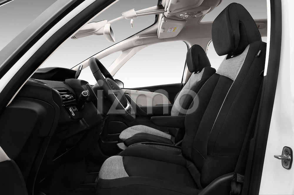 Front seat view of 2016 Citroen Grand-C4-Picasso Shine 5 Door Mini MPV Front Seat  car photos