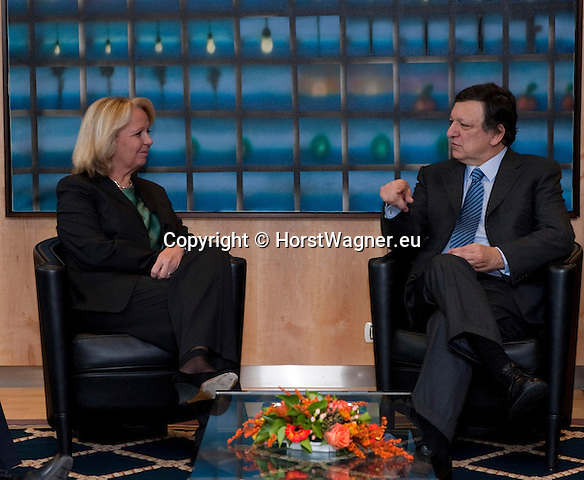 Brussels-Belgium, March 07, 2012 -- Jose (José) Manuel BARROSO (ri), President of the European Commission, receives Hannelore KRAFT (le), Prime Minister / Minister-President of  North Rhine-Westphalia (NRW / Germany) -- Photo: © HorstWagner.eu