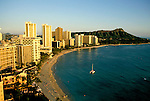 Hawaii: Honolulu, Waikiki Beach and Diamondhead. Photo:hiinsi101.Photo copyright Lee Foster, 510/549-2202, lee@fostertravel.com, www.fostertravel.com