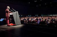 """Milano: Oscar Giannino parla durante l'Antimeeting,  l'evento organizzato da """"Fare per Fermare il Declino"""", il movimento politico fondato da Oscar Giannino ed economisti."""