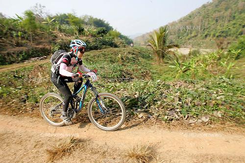 Chiang-Rai MTB Challenge 2009, rider B-1 Yuko SAKAI  (photo Laurent Benchana/Nippon News)