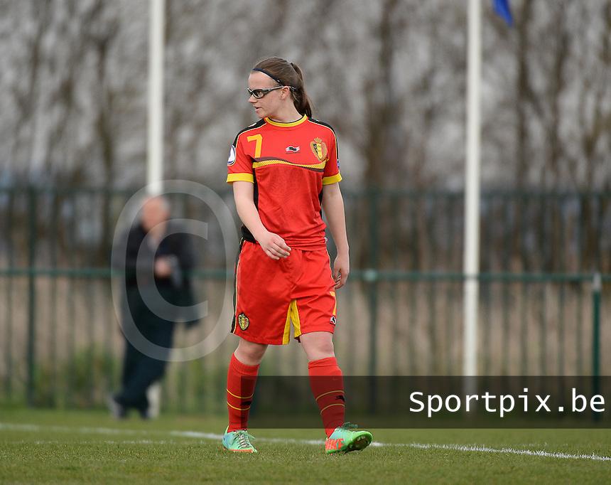 Women U15 : Belgian Red Flames - Nederland :<br /> <br /> Lore Asselberghs<br /> <br /> foto Dirk Vuylsteke / Nikonpro.be