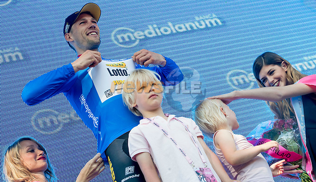 Local rider Maarten Tjallingii (NED) Lotto Nl-Jumbo wears the mountains Maglia Azzurra on the podium with his kids at the end of Stage 3 of the 2016 Giro d'Italia running 190km from Nijmegen to Arnhem, The Nethrerlands. 8th May 2016.<br /> Picture: ANSA/Claudio Peri | Newsfile<br /> <br /> <br /> All photos usage must carry mandatory copyright credit (&copy; Newsfile | ANSA/Claudio Peri)