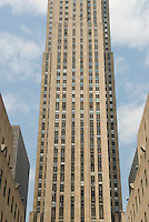 AVAILABLE FROM PLAINPICTURE FOR COMMERCIAL AND EDITORIAL LICENSING.  Please go to www.plainpicture.com and search for image # p5690208.<br /> <br /> Upward View of 30 Rockefeller Plaza, Rockefeller Center, Midtown Manhattan, New York City, New York State, USA