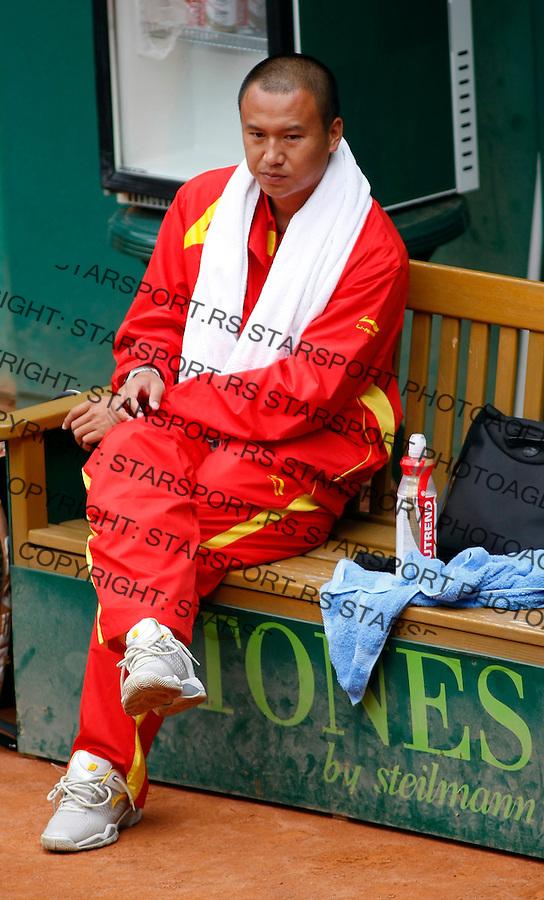Tennis, world championship, U-14.Russia Vs. China.Konstantin Gerlakh (RUS)-Zhao Cai (CHI).China head coach Liu Shuo.Prostojev, 08.05.2008..Photo: Srdjan Stevanovic.