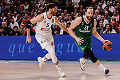 22nd March 2018, Wizink Centre, Madrid, Spain; Turkish Airlines Euroleague Basketball, Real Madrid versus Zalgiris Kaunas; Arturas Milaknis (Zalgiris Kaunas) brings the ball foward challenged by Rudy Fernandez (Real Madrid Baloncesto)