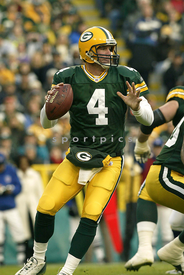 Brett Favre during the Green Bay Packers v. Minnesota Vikings game on November 14, 2004...Packers win 34-31..Kevin Tanaka / SportPics