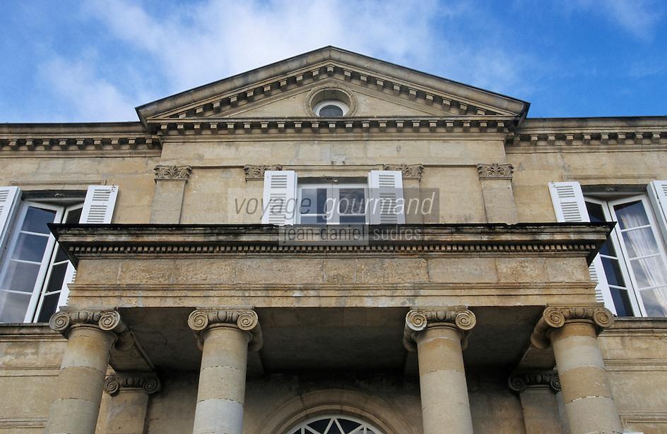 Europe/France/Aquitaine/33/Gironde/Saint-Julien: Château Branaire (AOC Saint-Julien) - Détail du perron [Non destiné à un usage publicitaire - Not intended for an advertising use]