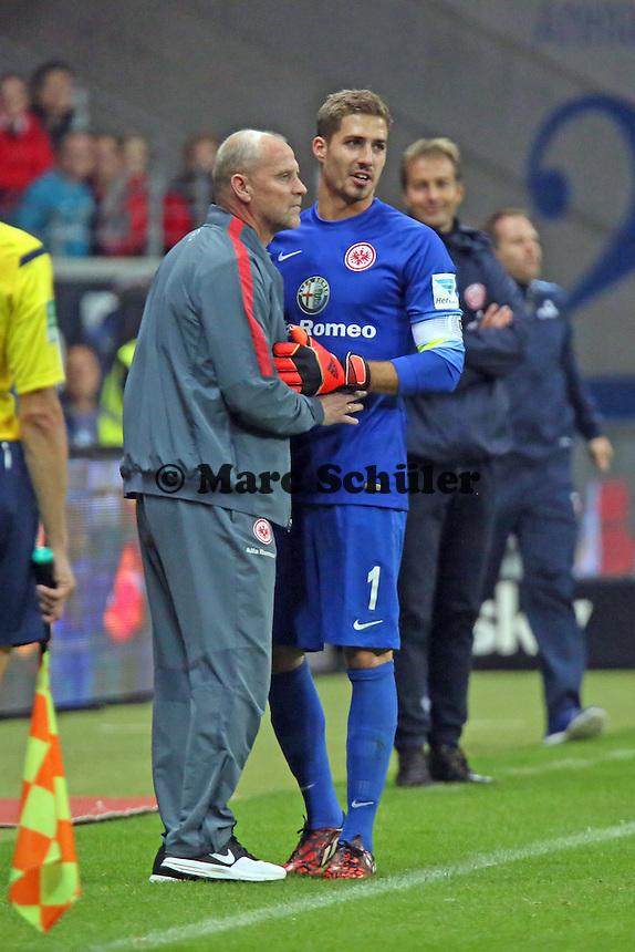 Trainer Thomas Schaaf mit Kevin Trapp (Eintracht) - Eintracht Frankfurt vs. 1. FSV Mainz 05, Commerzbank Arena